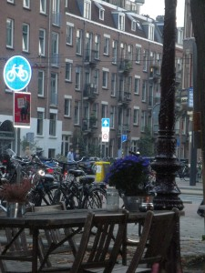 amsterdam blue flower chairs and lamppost