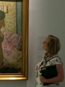 heather-looking-at-bonnard-in-brussels-reaized